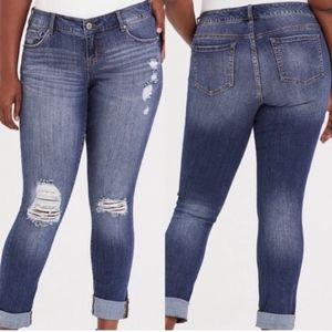Torrid | NWT Distressed Boyfriend Jeans